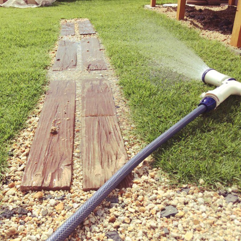 草刈りや水やりが楽になる。我が家も張っているおすすめの芝『TM9』