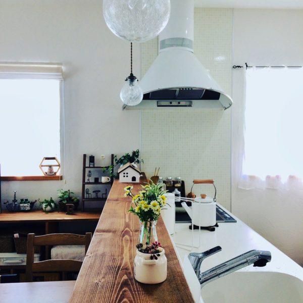 カフェ風キッチンにおすすめ!真っ白なオシャレ換気扇『クックフードル』