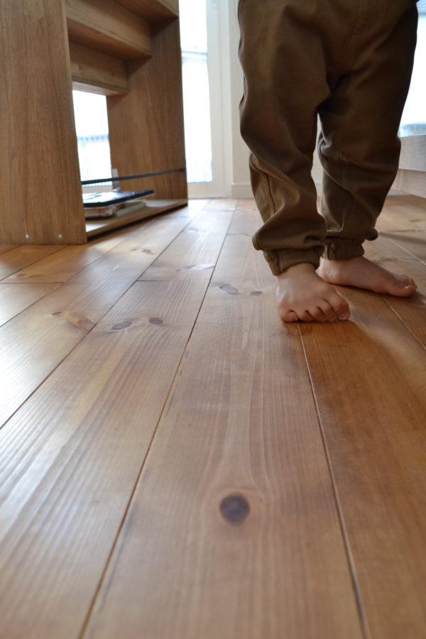 <無垢床メンテナンス>新年の無垢床掃除(ワックス紹介など)