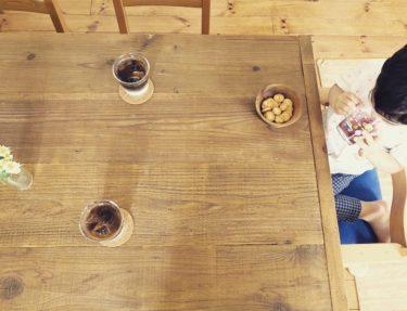 足場板を使った「カフェ風」ダイニングテーブルが出来上がり♪